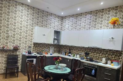 Apartment in old building, for long term rent, 2 room(s), 60 m²