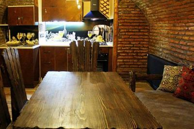 Apartment for sale in an old building, 3 room(s), 60 m²