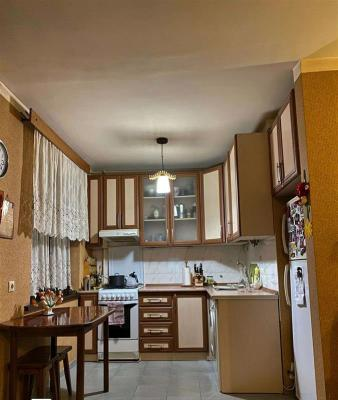 Apartment for sale in an old building, 5+ room(s), 105 m²