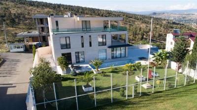 House for sale, 1430 m², yard area 886 m²